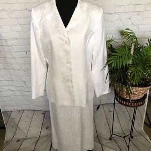 NWT LeSuit Suit White Summer 2 Piece Size 12